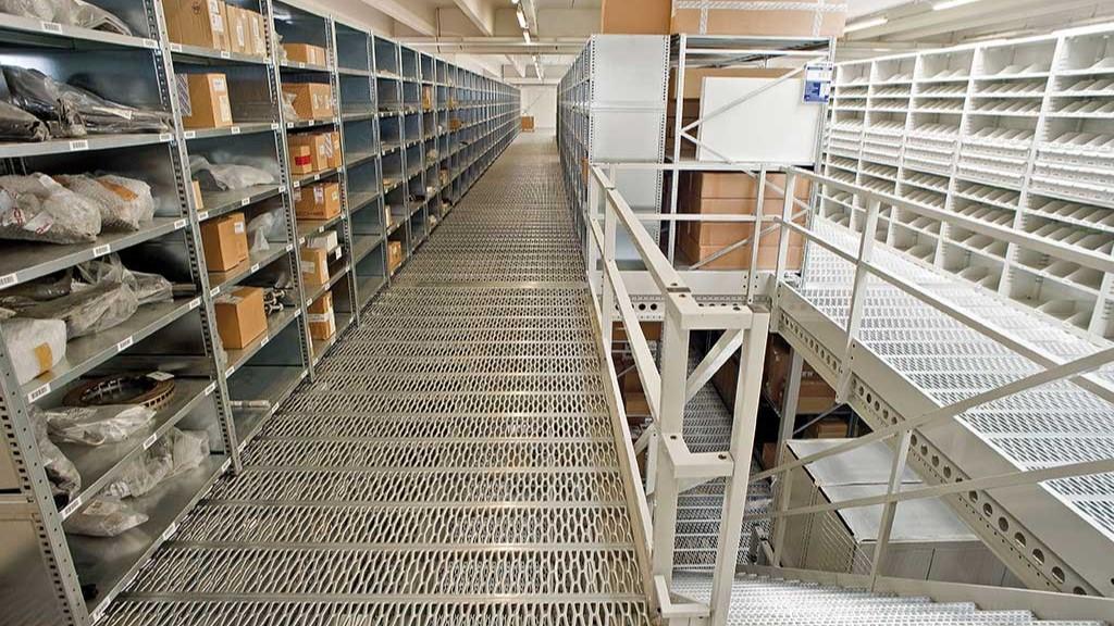 Етажни складове и Мецанин конструкции